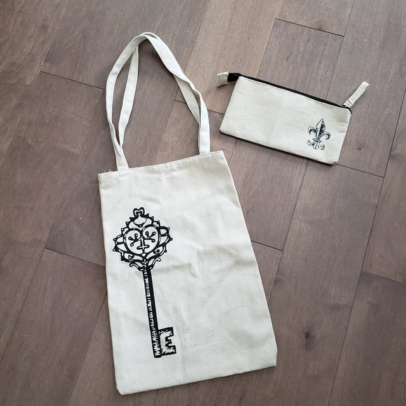 Canvas shoppers tote bag and wallet